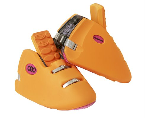 robo-kickers-orange-pair